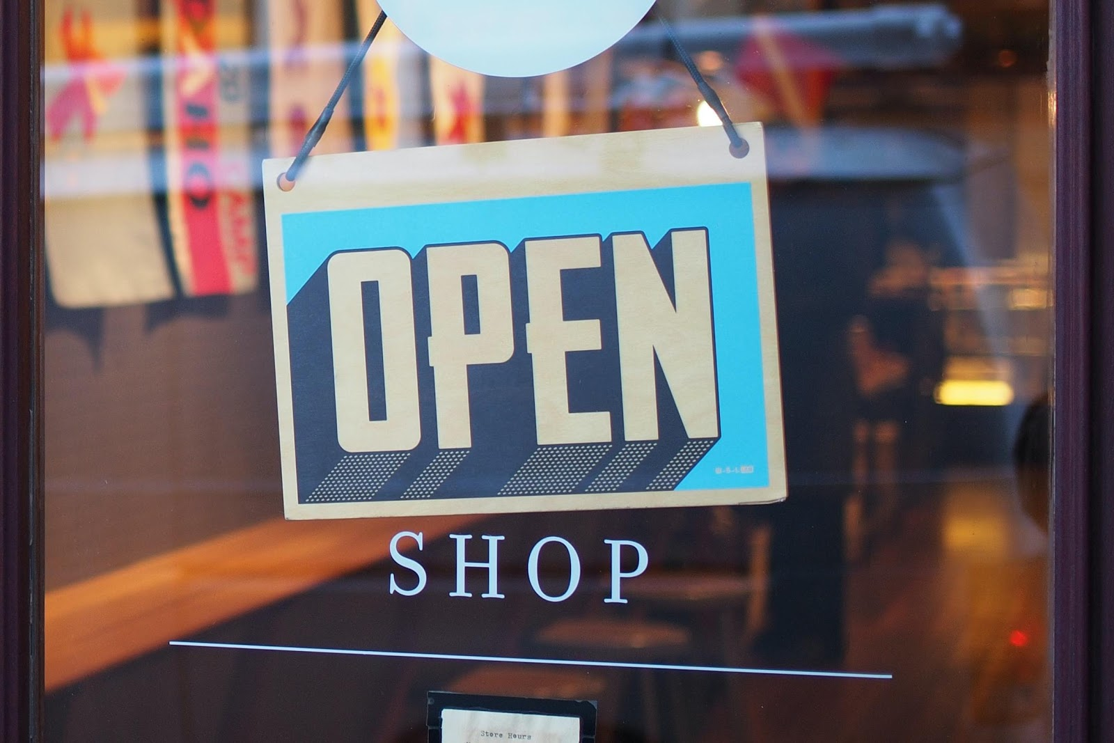 how-using-custom-designed-signs-can-showcase-your-brand_identity-group